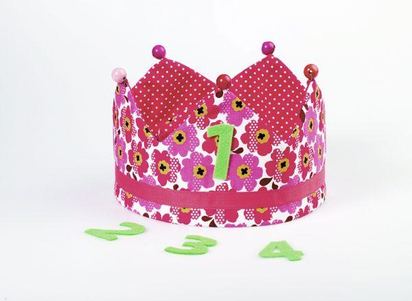 Alegre corona infantil para regalar la anfitriona de una fiesta