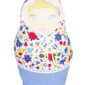 Anneke es una muñeca de inspiración holandesa