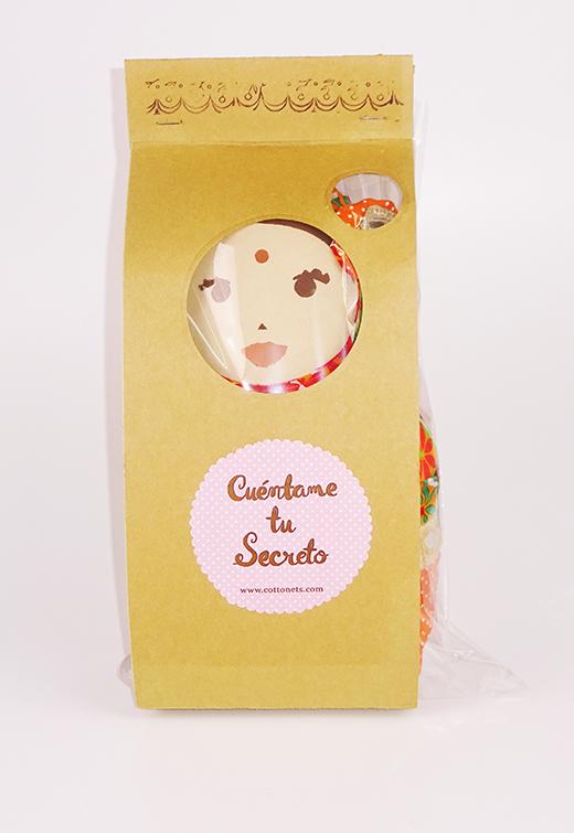 Un fabuloso packaging acompaña a nuestra muñeca