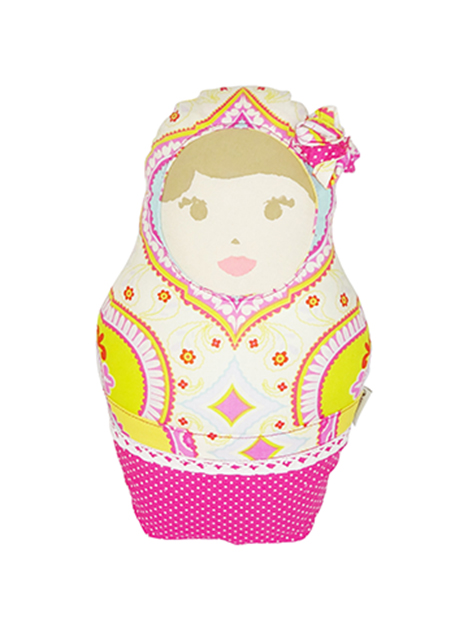 Muñeca de tela en forma de matrioska
